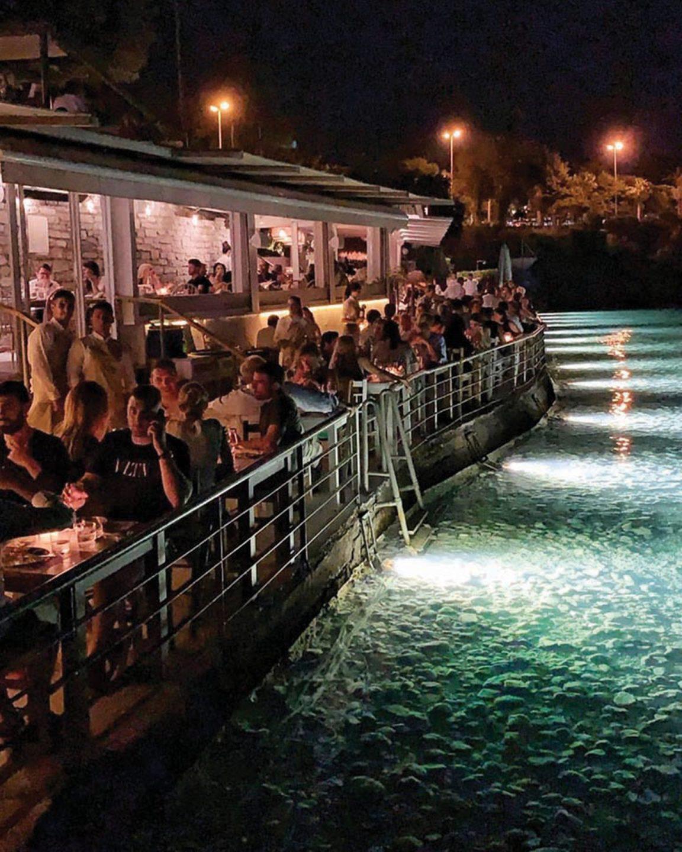 Athens beach restaurant Krabo